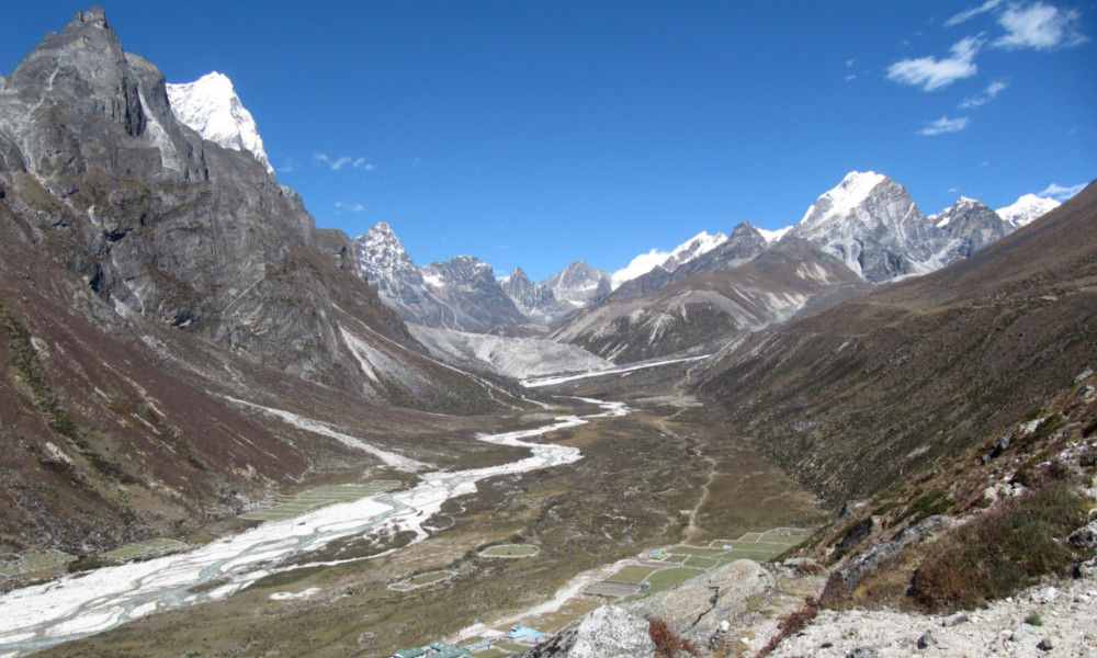 Approaching the Upper Khumbu Valley